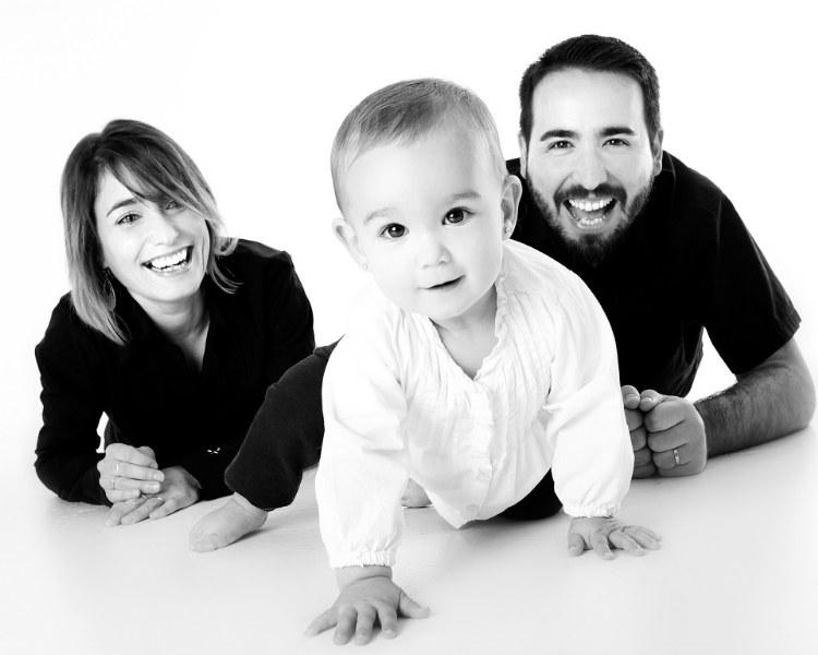 Come stimolare i bambini a gattonare?
