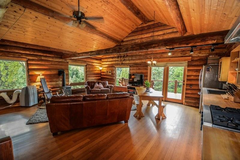 Come arredare una casa in legno? I consigli degli esperti